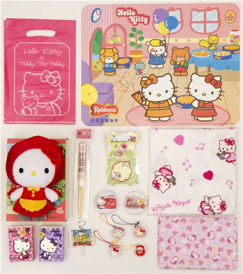 We celebrate 50,000 Facebook Fans with a kawaii Hello Kitty Giveaway