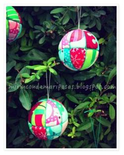 Christmas Patchwork Ball Ornament on mirincon de mariposas (Spanish blog)