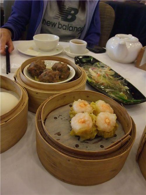 Siu Mai dumplings and meat balls