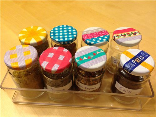 A super easy DIY: Washi Tape spice jars