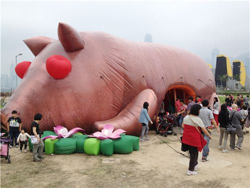 You could even enter the belly of the roasted pig