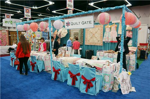 We visited the Cosmo booth. They are known as Quilt Gate in the US