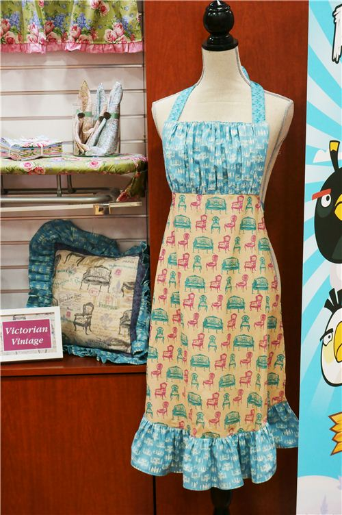 We really loved this apron dress made with this nostalgig vintage fabric