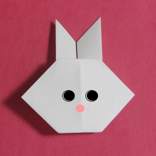 A super cute rabbit, courtesy of Origami Maniacs