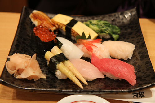 after our shopping we went to have our first Tokyo sushi dinner. We love eating sushi in Hong Kong.