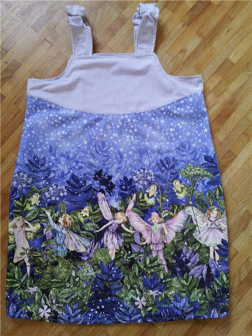 Our customer Nicole from Germany sew this wonderful summer dress for her daughter