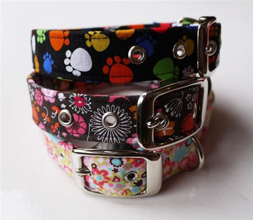 Emily from Leading the Pack in the UK made great dog collars with several fabrics from our shop