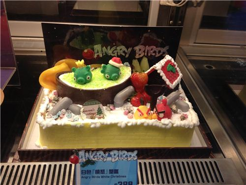 Angry Birds cake with many details