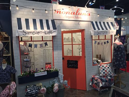 Monaluna's award winning booth